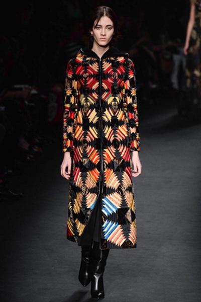 Неделя моды в Париже: показ Valentino ready-to-wear осень — зима 2015-2016 | галерея [1] фото [11]