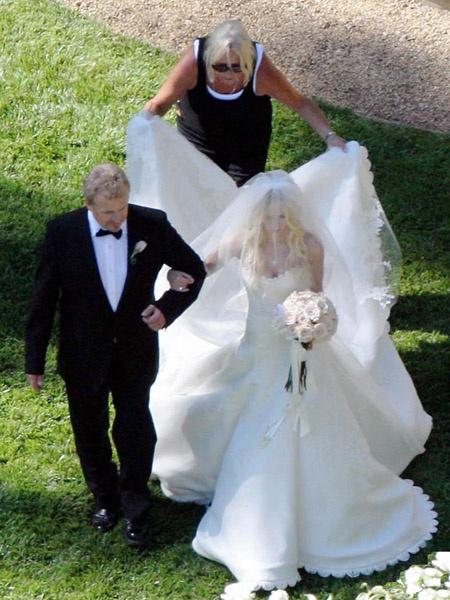 Аврил лавин свадьба 2006 биография жизни маколей калкин