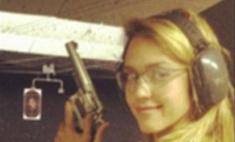 Джессика Альба взялась за оружие ради новой роли