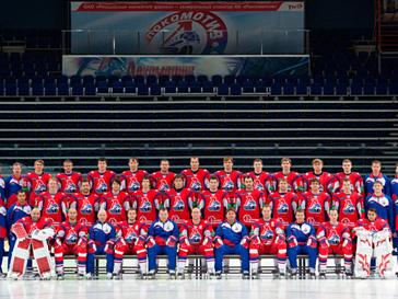 В крушении самолета Як-42 погибла почти вся хоккейная команда «Локомотив», включая тренера