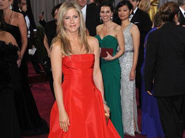 Дженнифер Энистон (Jennifer Aniston) любит наряды от Valentino