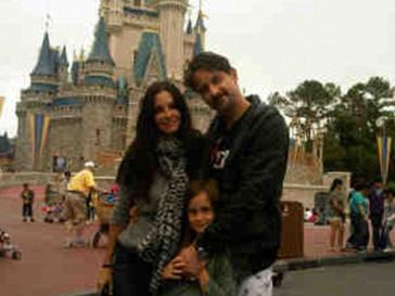 Кортни Кокс (Courteney Cox) и Дэвид Аркетт (David Arquette) вместе с дочкой Коко