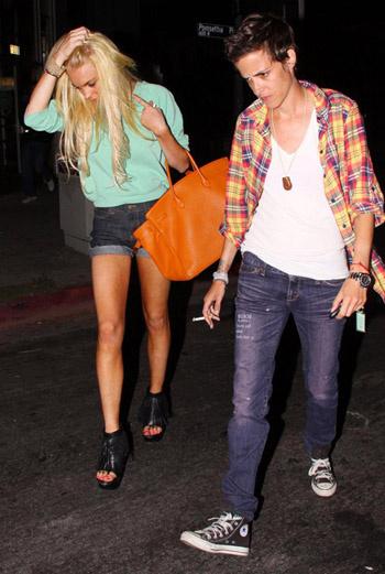 Линдсей Лохан и Саманта Ронсон (Лос-Анджелес, 30 июля).