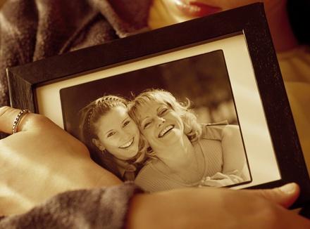 «Я так рада, что ты была моей мамой»: письмо приемной матери, которой уже нет в живых
