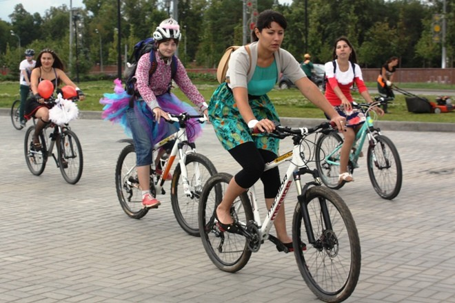 Красивые девушки на велосипедах Казань, фото