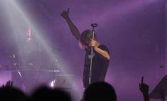 «Би-2» на концерте сделали селфи с омичами