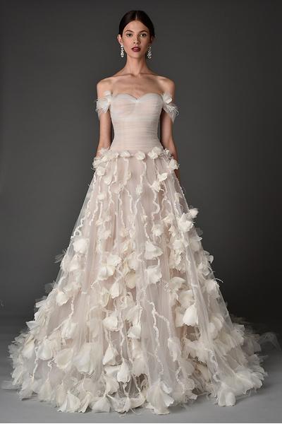 Лучшие коллекции Недели свадебной моды   галерея [1] фото [16]