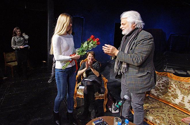 Микеле Плачидо и цветы