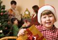 Новый год: зачем столько подарков?