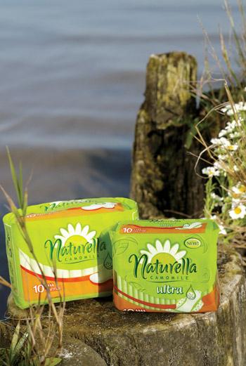 Прокладки Naturella cодержат крем-бальзам с экстрактом ромашки