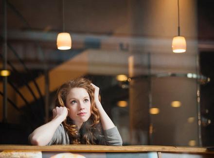 Я боюсь ужинать в одиночку: 5 способов избавиться от стеснения