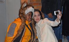 При виде Джоли поклонница упала в обморок