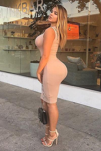 Русская Ким Кардашьян Анастасии Квитко в облегающем платье