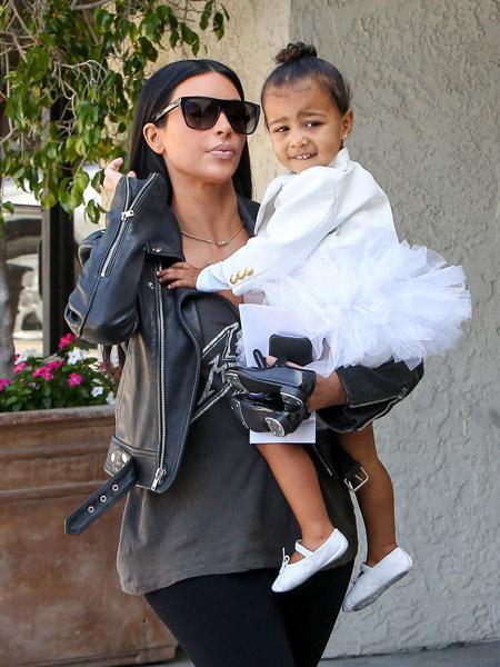 Ким Кардашьян с дочкой фото