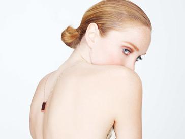 Лили Коул стала лицом собственной линии украшений из резины