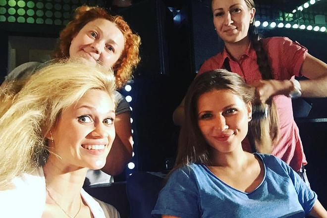 Юлия Топольницкая вновь снялась в клипе Шнурова: фото