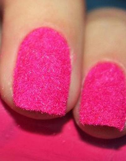 С помощью этого лака от марки Ciate можно создать бархатные ногти самых...