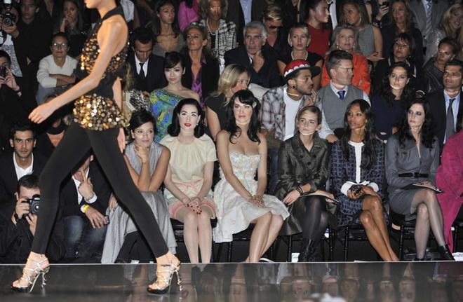 В первом ряду на показе Dior (Весна/Лето 2009) случился настоящий звездопад