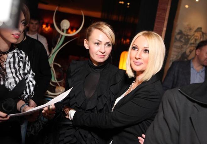 Яна Рудковская и Лера Кудрявцева.