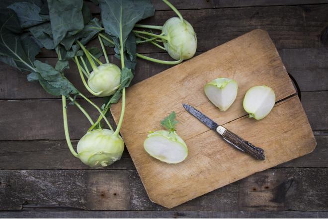 как почистить капусту кольраби