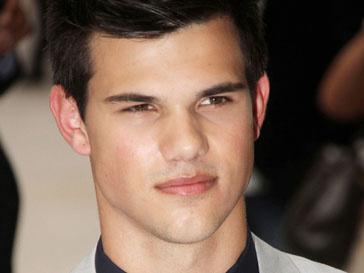 Тейлор Лотнер (Taylor Lautner) ищет подружку