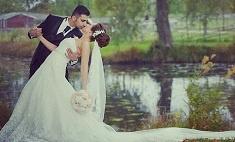 Первый поцелуй: самые романтичные фотографии казанских молодоженов. Голосуй!