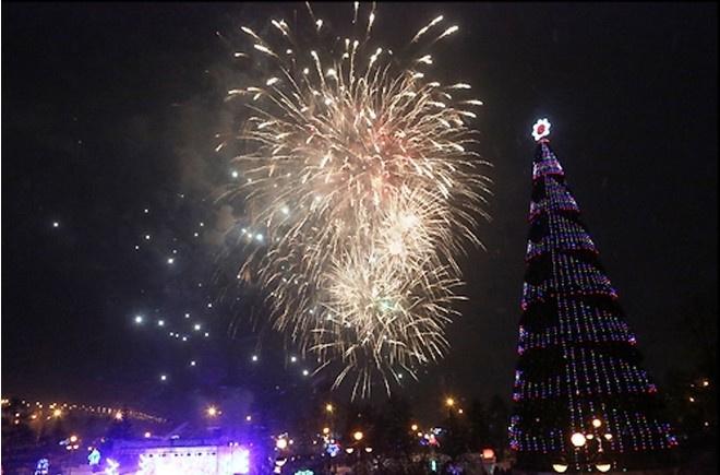 Красноярцы гордятся главной елкой нашего города