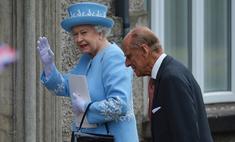 Сумка Елизаветы II произвела фурор
