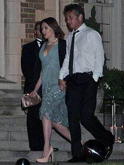 Шон Пенн (Sean Penn) и Скарлетт Йоханссон (Scarlett Johansson)