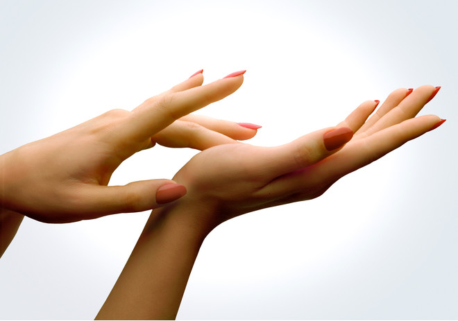 дергается указательный палец на руке