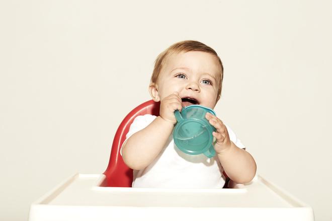 как давать грудничку воду