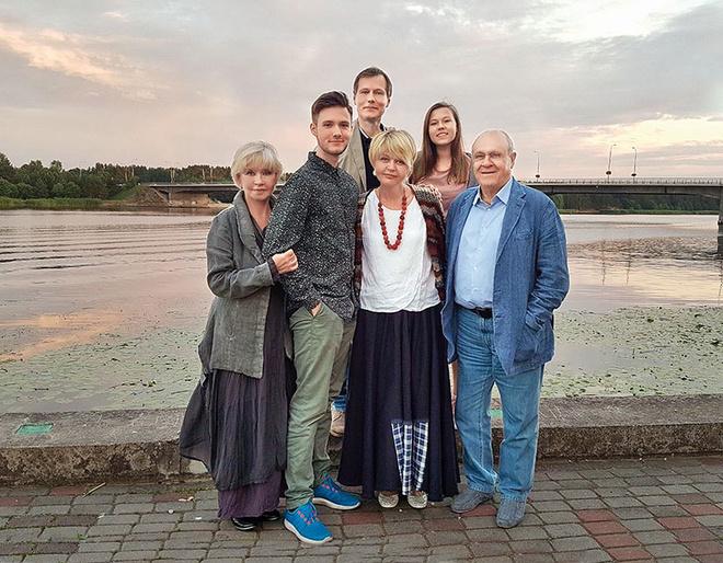 юлия меньшова фото с детьми и мужем 2017 соглашаетесь условиями