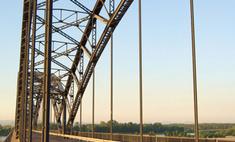 Волгоградский мост по-прежнему закрыт