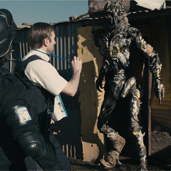 Лучший фильм года про инопланетян.