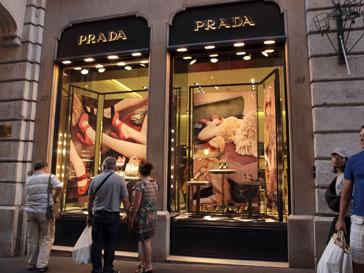 Миланский бутик Prada перешел дорогу ресторану быстрого питания
