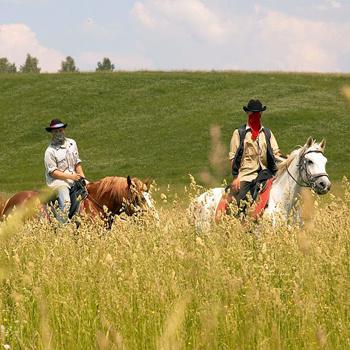 В «Аванпосте» можно закатить настоящую ковбойскую вечеринку или даже сыграть на ранчо свадьбу.