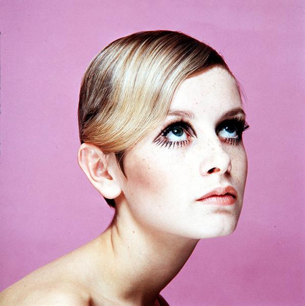 Твигги: прическа и макияж в стиле 70-х