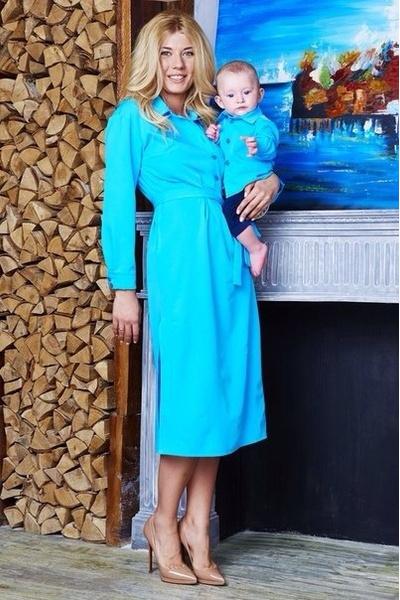 Платье для мамы - 6100 р.; рубашка для мальчика - 1500 р.
