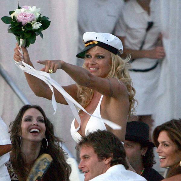 Одна из многочисленных свадеб Памелы Андерсон (29 июля 2006 года)