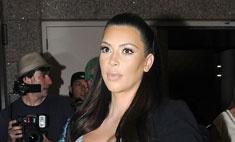 Мать отговаривает Ким Кардашьян выходить замуж