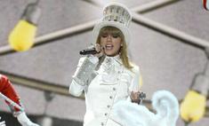 «Грэмми»-2013: Тейлор Свифт в откровенном наряде от русского дизайнера