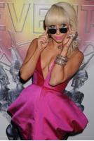 Леди ГаГа в розовом платье