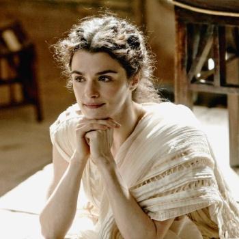 Рейчел Вайз играет неприступную ученую красотку времен древней Александрии.