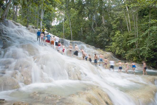 Восхождение на водопад Данс-Ривер Фоллз.