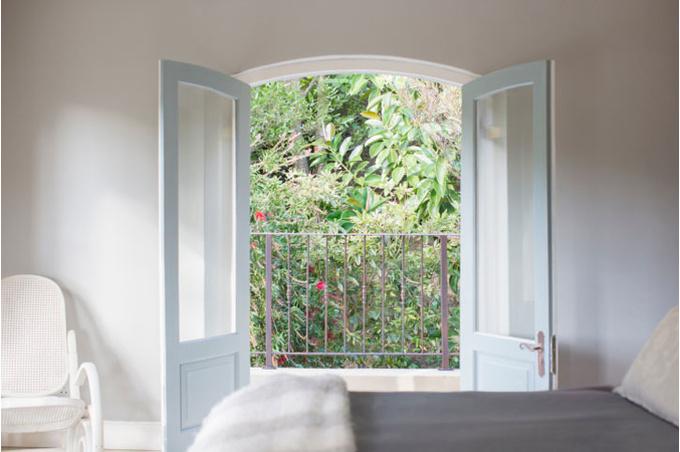 Окно в цветущий сад