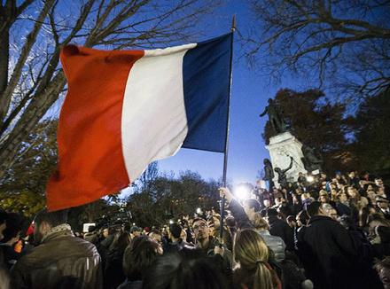 Французский флаг над толпой, Вашингтон