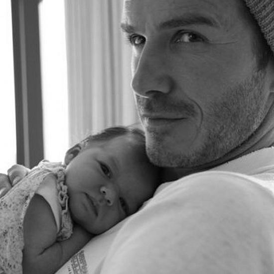 Дэвид Бекхэм с новорожденной дочкой