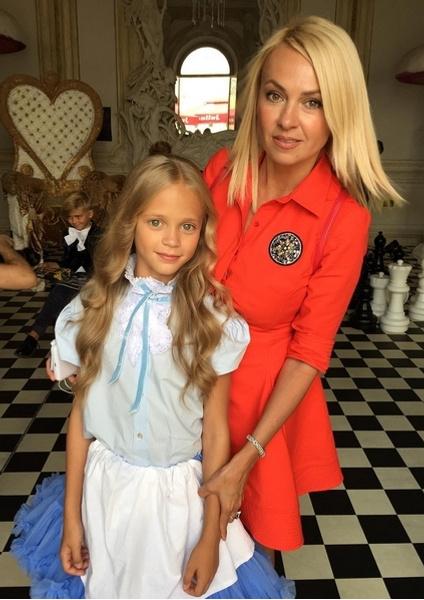 Красноярская модель Алиса Самсонова и Яна Рудковская