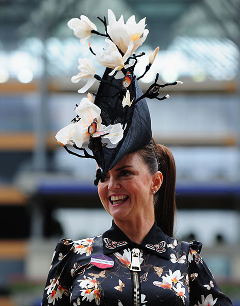Королевские скачки в Аскоте: парад шляп   галерея [1] фото [29]