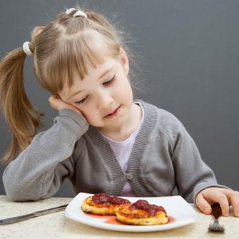 Почему ребенок плохо ест и как это исправить?